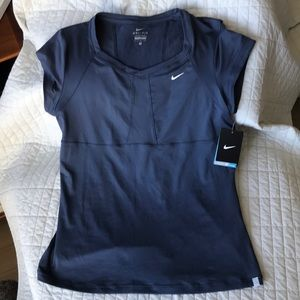 NWT Nike fro-fit training top XL 💯💰4charity